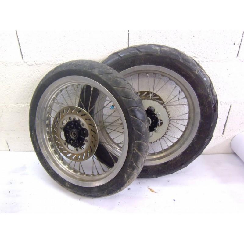 paire de roue supermotard yamaha dt 50 moto et loisirs. Black Bedroom Furniture Sets. Home Design Ideas