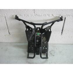 FIXATION CARENAGE AVANT - PEUGEOT SATELIS RS 125